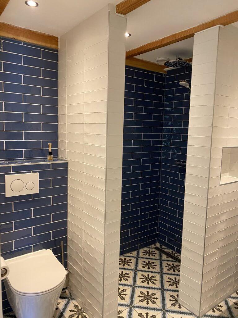 Badkamer toilet + douche